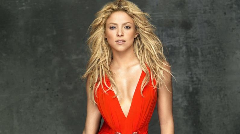 Shakira-2013