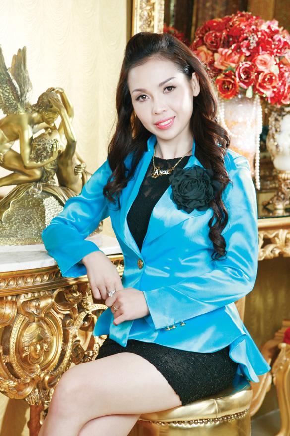 Bà Mã Đào Ngọc Bích - Tổng giám đốc Angel Beauty và Skin Doctors Việt Nam