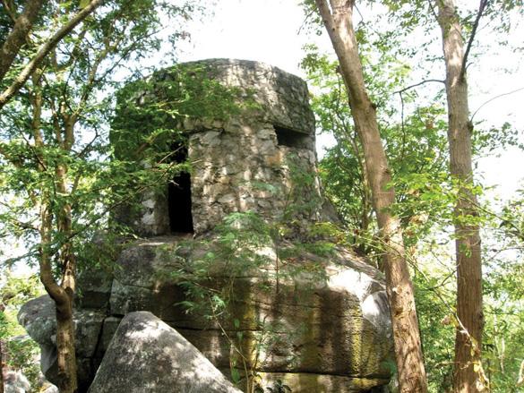 Pháo đài trên núi Tượng -3