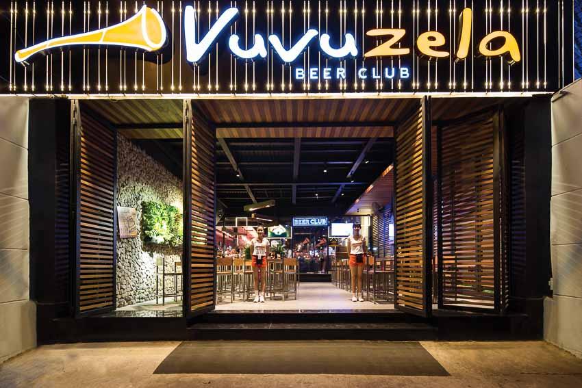 nha-hang-bia-Vuvuzela–Beer-Club-khong-gian-soi-dong-moi-1