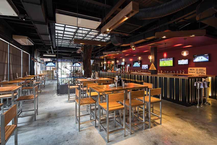 nha-hang-bia-Vuvuzela–Beer-Club-khong-gian-soi-dong-moi-10