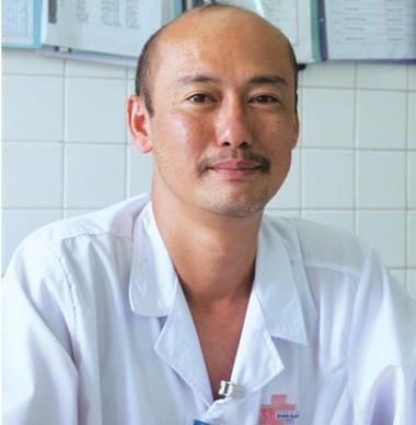TS-BS Nguyễn Phúc Cẩm Hoàng, Phó khoa Niệu B, Bệnh viện Bình Dân