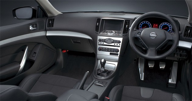 Right-Hand-Drive-Nissan-interior