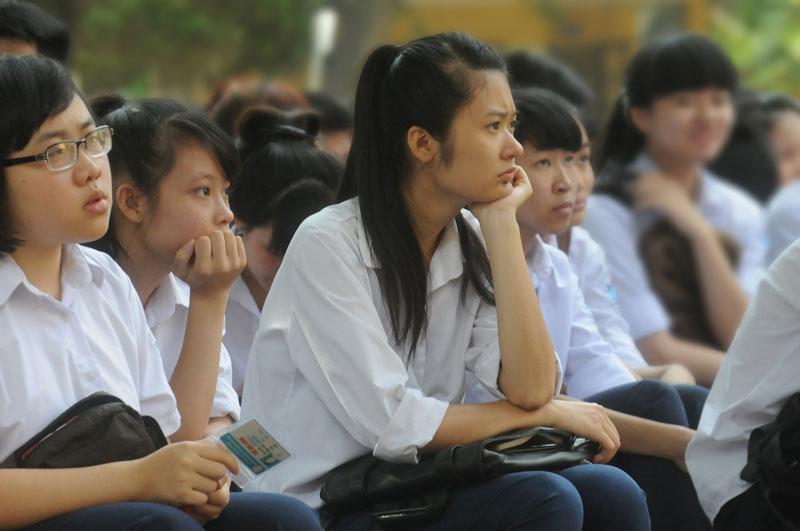 e89thi-tot-nghiep_dan-viet_2