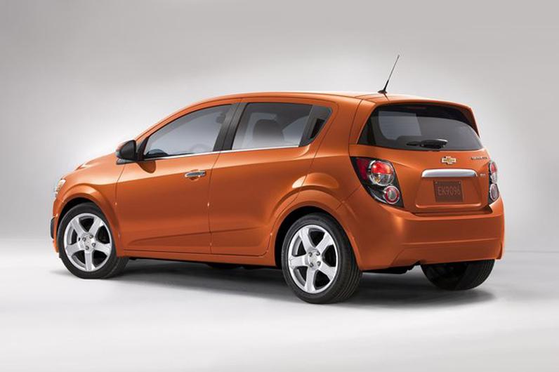 Chevrolet-Sonic_2012_photo_05