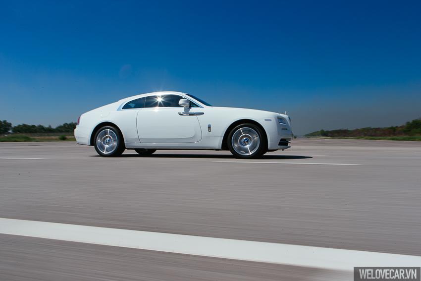Rolls-Royce Wraith với phong cách, sức mạnh và độ quyến rũ khó cưỡng- Photo 13