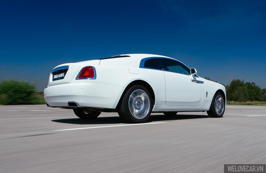 Rolls-Royce Wraith với phong cách, sức mạnh và độ quyến rũ khó cưỡng- Photo 17
