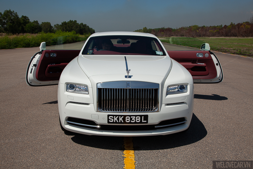 Rolls-Royce Wraith với phong cách, sức mạnh và độ quyến rũ khó cưỡng- Photo 22