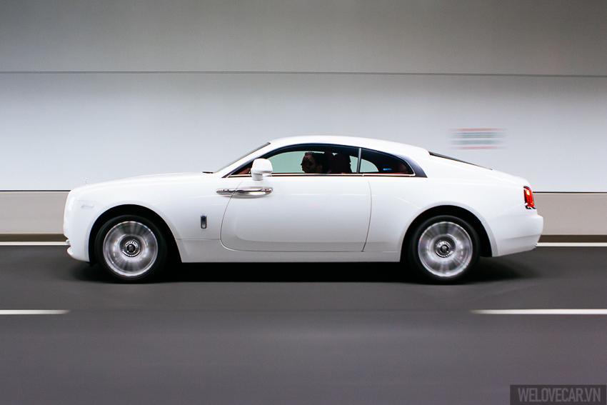 Rolls-Royce Wraith với phong cách, sức mạnh và độ quyến rũ khó cưỡng- Photo 02