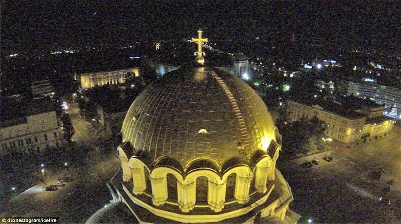 8. Vương cung thánh đường Alexander Nevski của Bulgary.