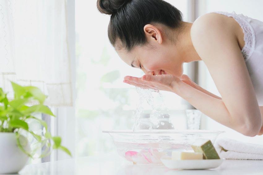 Phương pháp chăm sóc da trong mùa mưa 6