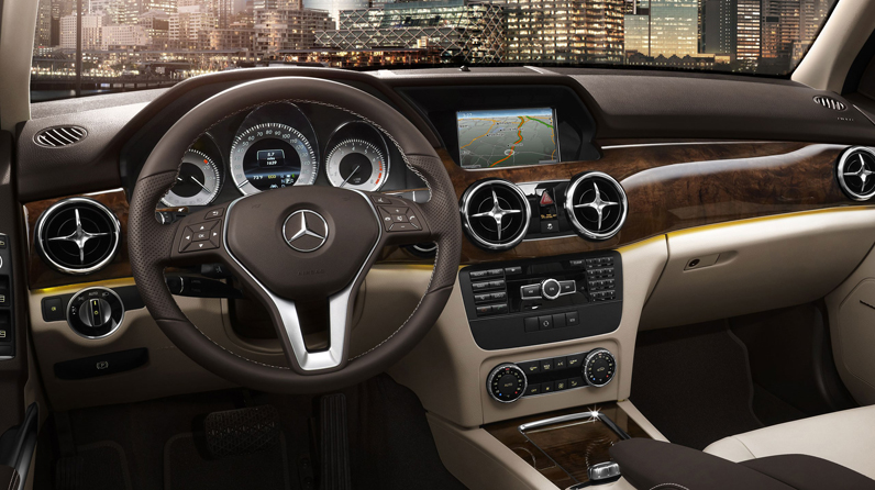 CarRevsDaily.com-Buyers-Guide-2014-Mercedes-Benz-GLK250-Bluetec-and-GLK350-4Matic-42