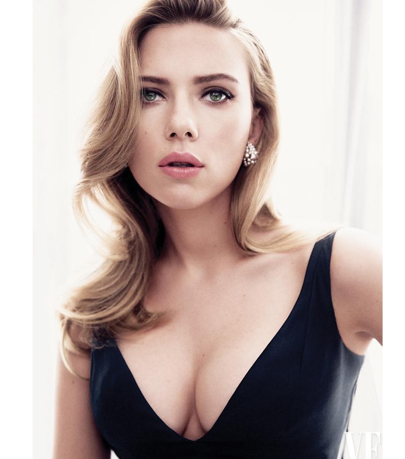 DN571_Tieudiem220814_Scarlett-Johansson-3
