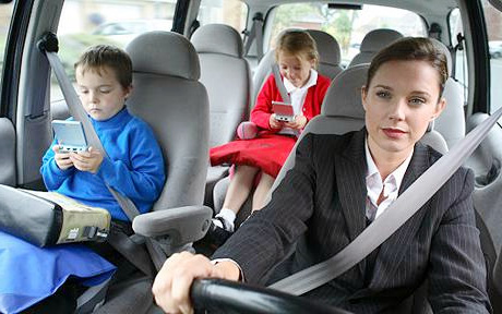 Travel-with-Kids-in-Car