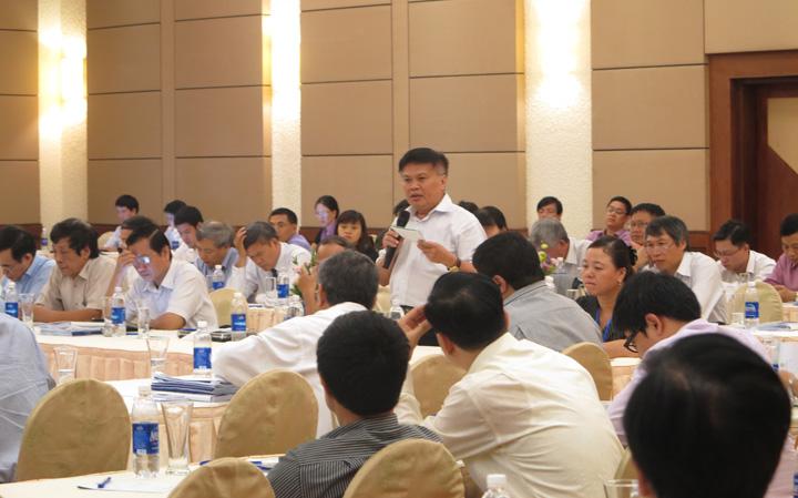 TS. Nguyễn Đình Cung phát biểu tại Diễn đàn Kinh tế Mùa thu.
