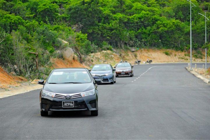 Corolla Altis 2014 (17)
