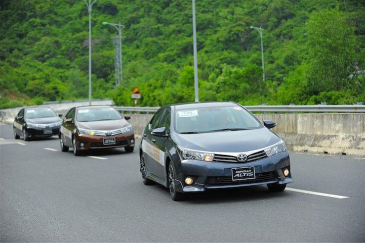 Corolla Altis 2014 (3)