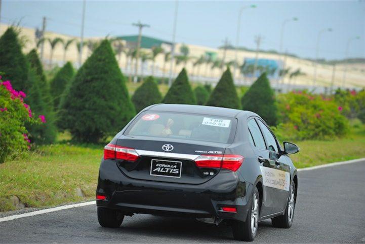 Corolla Altis 2014 (5)