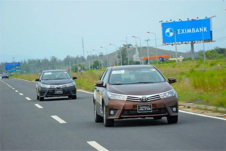 Corolla Altis 2014 (6)
