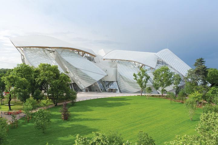 DN586_BvLouisVuitton051214_KTS-Frank-Gehry-6
