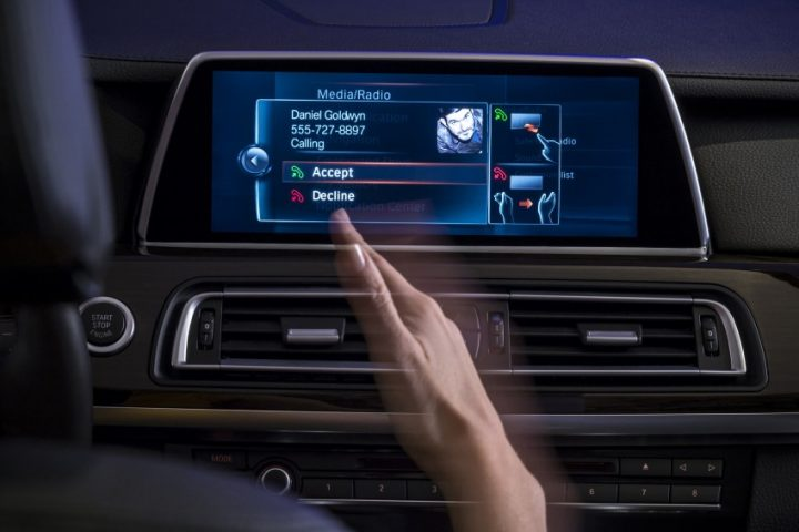 bmw-iDrive-Touchscreen-0004-850×566