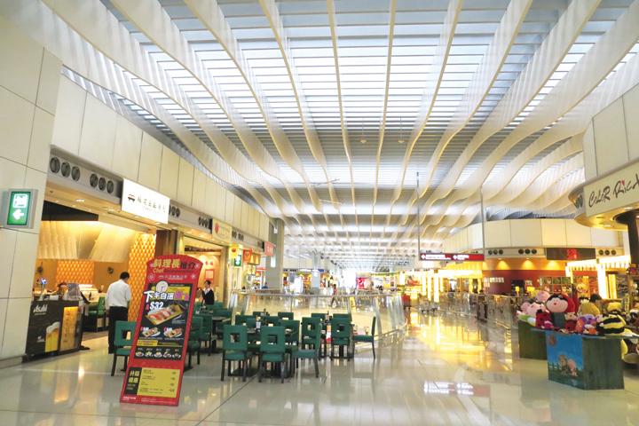 DN603_HK170415_World-Airport-Awards-2015 - 4