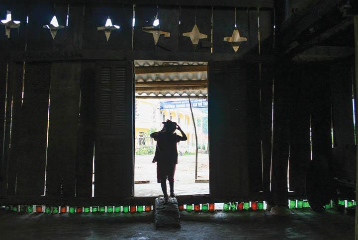 DN604_Nghethuat240415_Dau-an-8