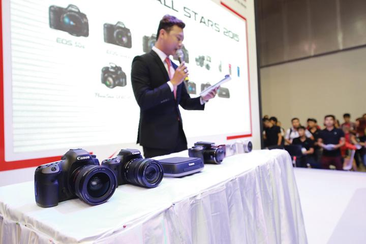 DN607_TinHitech150515_Canon