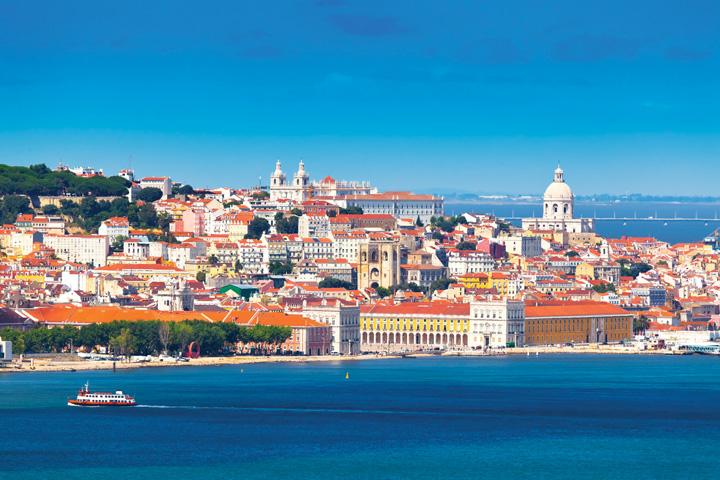 Lisbon rực rỡ với những gam màu ấm áp