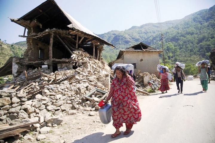DN615-QT2 100715-Nepal
