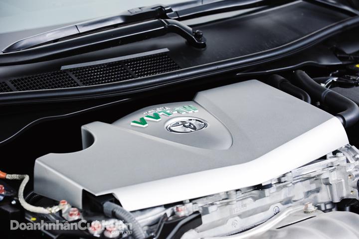 DN618_XH310715_Toyota-Camry-2015 - 9