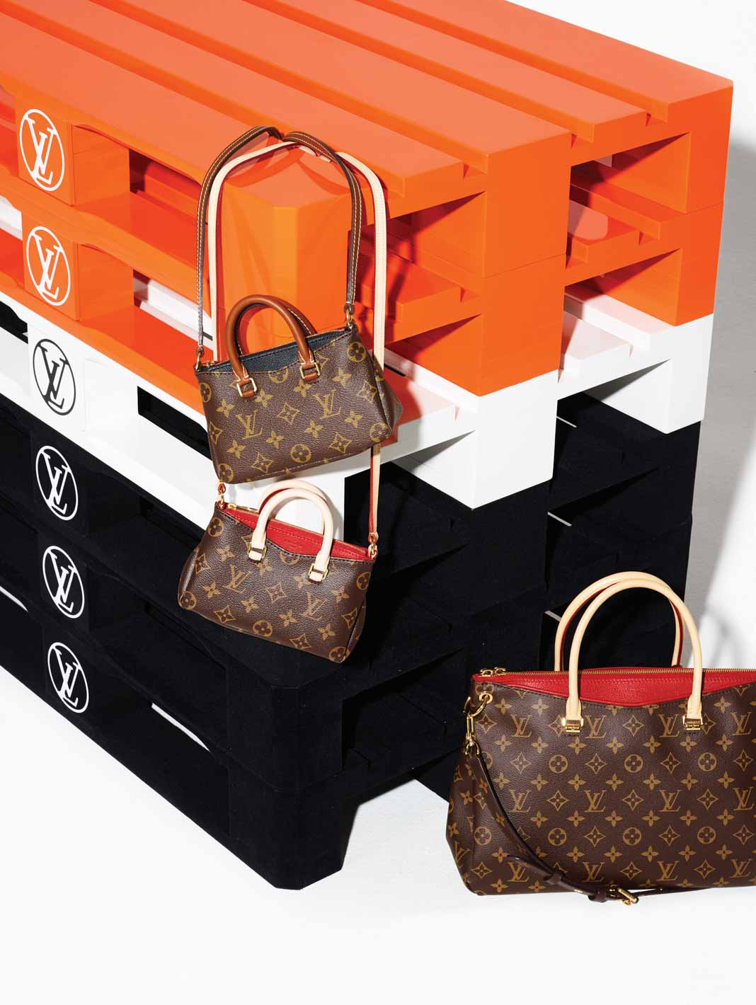 tui-nano-Louis-Vuitton-TT-619-2015-1