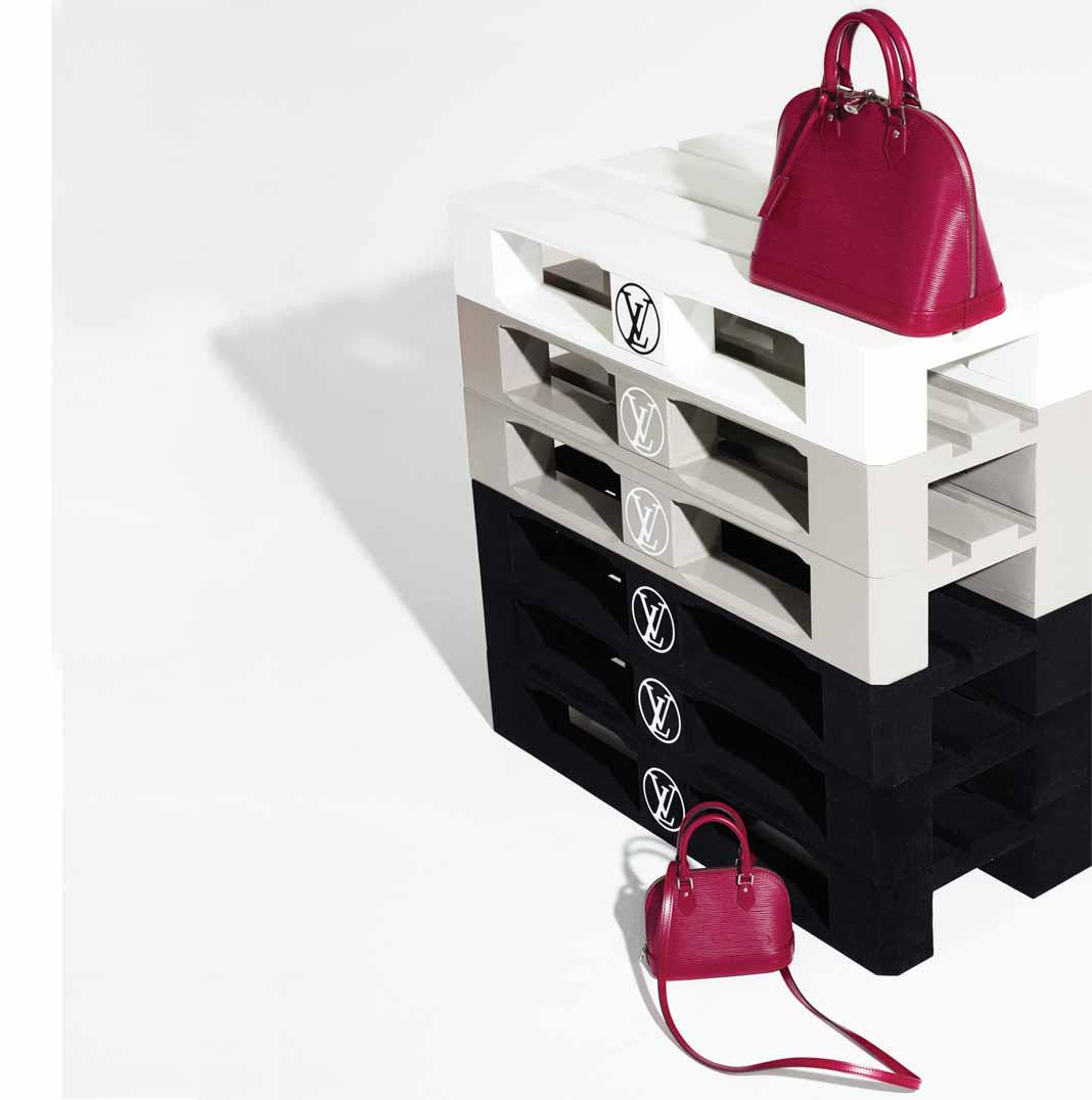 tui-nano-Louis-Vuitton-TT-619-2015-6
