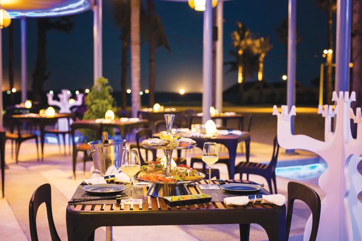DN624_NT 110915_Azure-Beach-Lounge-2