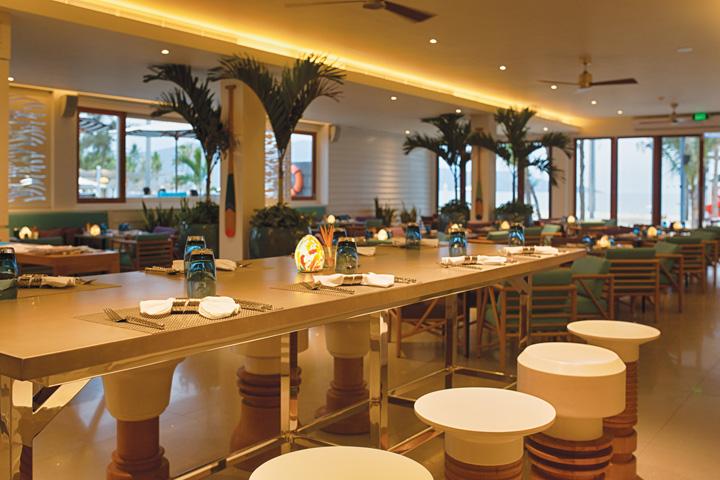 DN624_NT 110915_Azure-Beach-Lounge-6