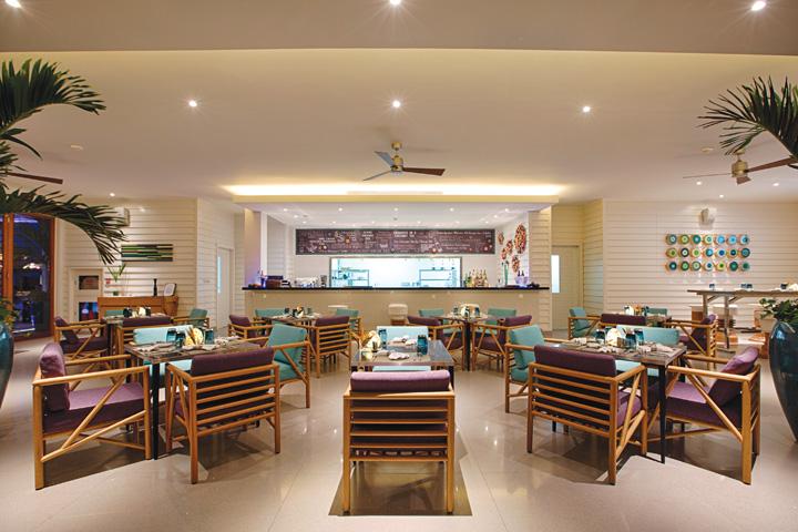 DN624_NT 110915_Azure-Beach-Lounge-8