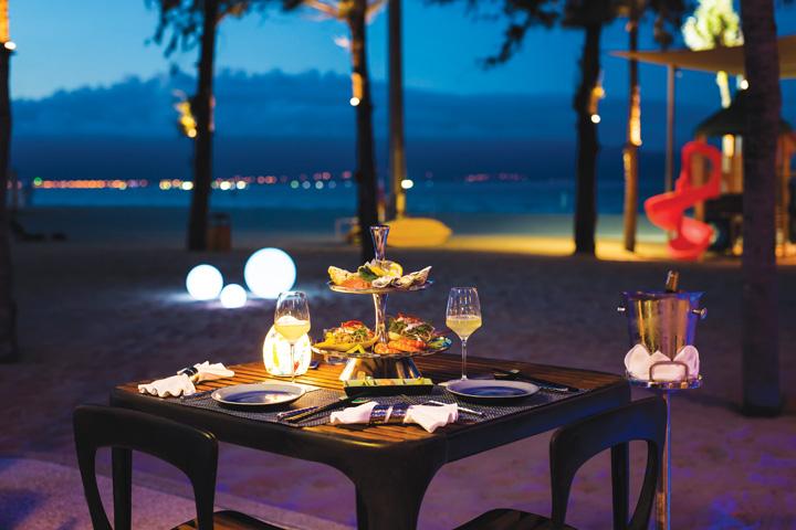 DN624_NT 110915_Azure-Beach-Lounge