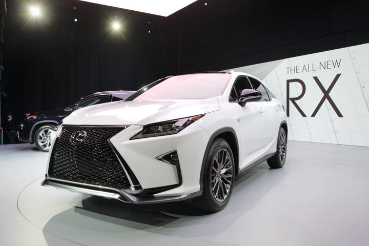 DN625_DN&Xe180915_SUV-Lexus-RX-2016