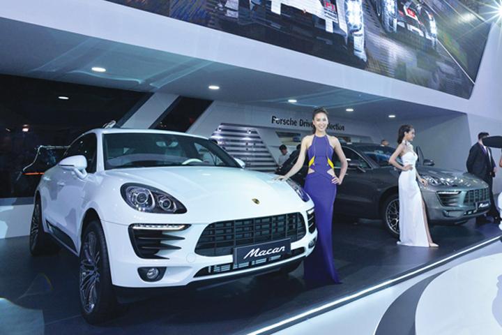 DN629_DN&Xe161015_Porsche