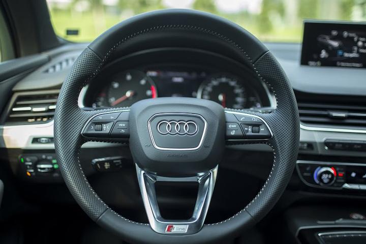 Dn-tin-101015-Audi Q7-3