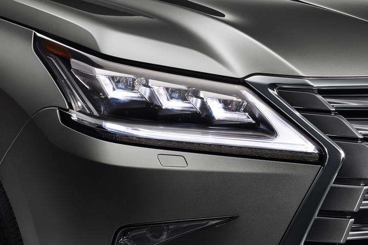 Dn-tin-201015-Lexus-13