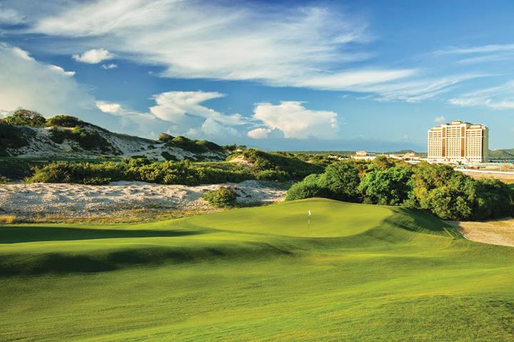 DN635-bv The GrandHT 271115-Golf course