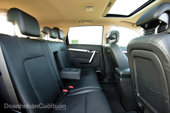DN653_XH220416_Chevrolet-Captiva-Revv-12