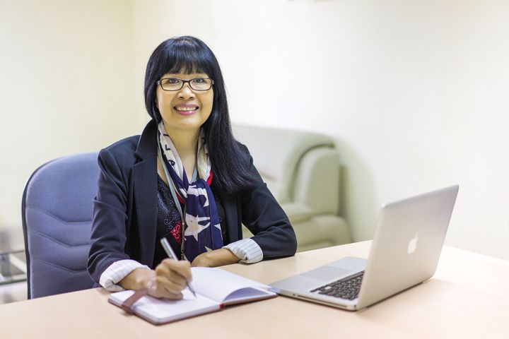 Tiến sĩ Nguyễn Thị Anh Thư - Hiệu trưởng Trường SaigonTech