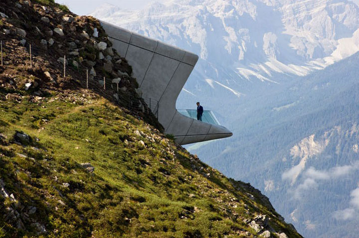 Bao-tang-Messner-Mountain-Museum-Corones-Tin-150517-3