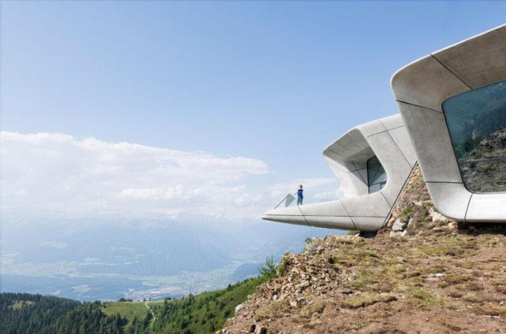 Bao-tang-Messner-Mountain-Museum-Corones-Tin-150517