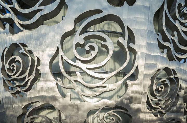 Bao-tang-Rose-Museum-Tin-150517-3