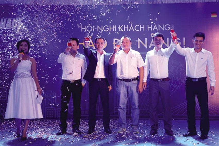 Knauf-to-chuc-hoi-nghi-khach-hang-tai-da-nang-HDDN-708-2017-ok
