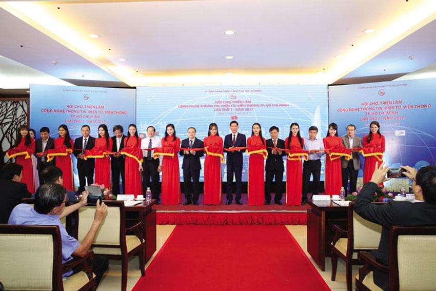 Trien-lam-cong-nghe-thong-tin-dien-tu-vien-thong-BvTrienlamvienthong-706-2017 ok
