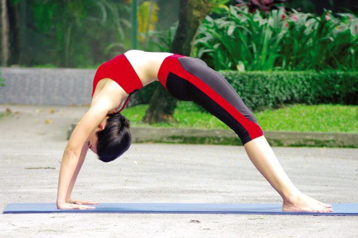 Tran-Khoa-Viet-Nhi-Sunrise-Yoga-&-Coach-SK-711-2017